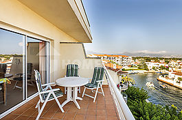 Apartment in perfect state with precious views, Empuriabrava