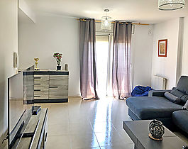 Empuriabrava, beautiful house for sale with garage and garden