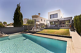 Empuriabrava, Villa on wide canal, with 12,5 mooring