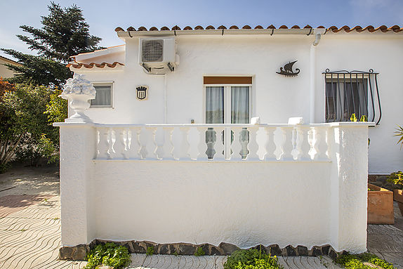 Empuriabrava, house for sale in a quiet area