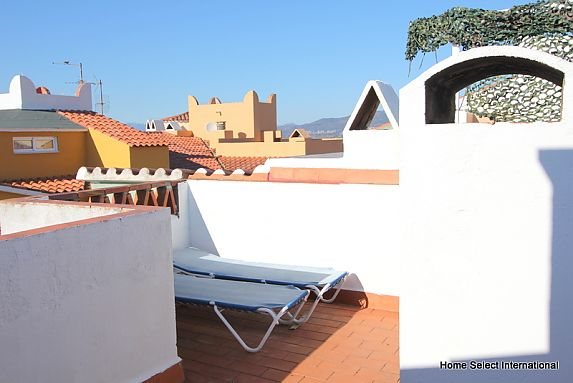 Apartment for sale with sea view in Empuriabrava