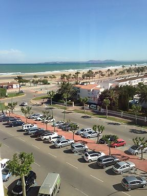 Apartment with sea views to 100 m of the main beach, Empuriabrava, Roses