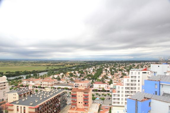 Very good reformed, first line penthouse, in Empuriabrava, 2 bedrooms and 2 bathrooms