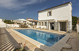 Villa on the canal with mooring and swimming pool, Empuriabrava