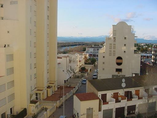 Studio for sale in Empuriabrava, next to the comercial area and the beach