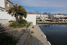 Empuriabrava, Villa on wide canal, with 11M mooring in the South and garage