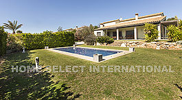 Magnificent house for sale with pool and garden in Peralada Golf, Roses, Costa Brava