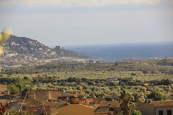 Palau Saverdera plot for sale with sea views Roses, Costa Brava