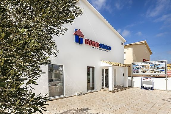 The office of Home Select International in Empuriabrava